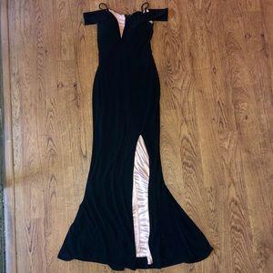 Dresses & Skirts - BLACK OFF THE SHOULDER SLIT PROM DRESS 🌟